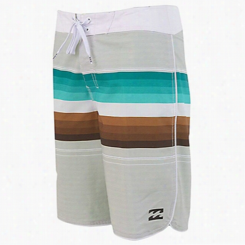 Billabong Men's Line Up Boardshort